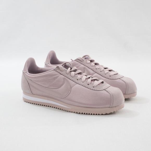 new product ca221 0da8a Nike Classic Cortez Nylon WMNS